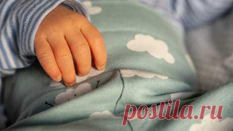 Исследование одного педиатра о важности сна ребенка с матерью до 3-х лет Маленькие дети, начиная с самого раннего возраста, должны ночевать там, где спит... Читай дальше на сайте. Жми подробнее ➡