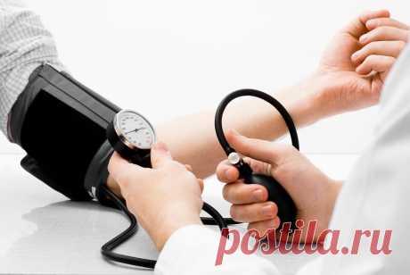 90 % людей измеряют давление неправильно! Вот какую тупую ошибку вы совершаете. К здоровью нужно относиться серьезно.