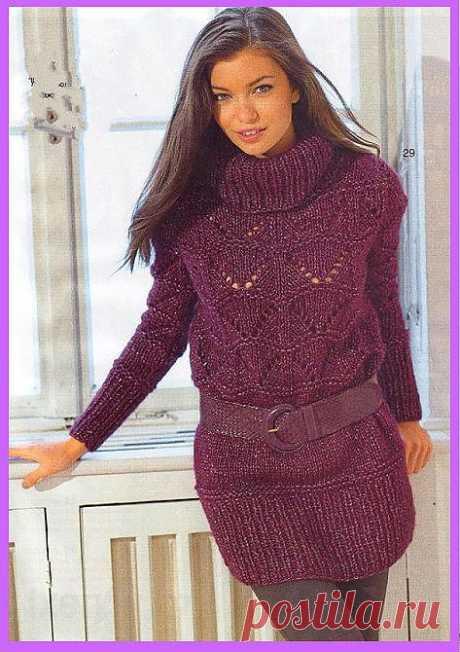 Длинный пуловер с ажурными зигзагами.