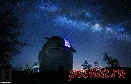 Телескопы в Шемахинской астрофизической обсерватории, Азербайджан. Автор фото — Etibar Jafarov: nat-geo.ru/photo/user/163456/ Спокойной ночи.
