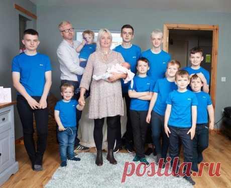 Рекордсменка из Дингуолла, которая родила 10 сыновей подряд, наконец произвела на свет девочку