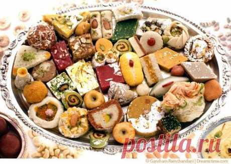 Блюда индийской кухни: Сладости: Халава, бурфи, гулабджамун, сандеш и др. (1)