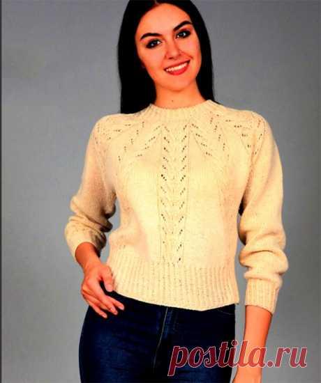 Цельновязаный пуловер с ажурным узором и косами (Вязание спицами) – Журнал Вдохновение Рукодельницы