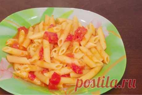 Аппетитные макароны с овощной подливой: готовим в мультиварке