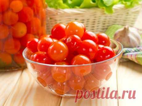 """Соленые помидоры """"12-дневки"""" - любимый рецепт ленивых хозяек - Smak.ua"""
