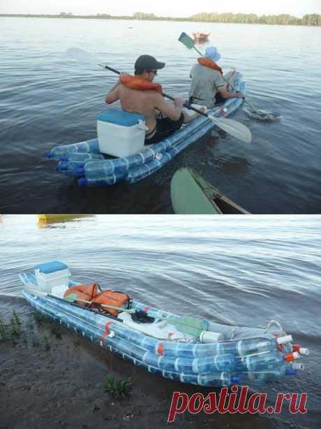 Лодка из пластиковых бутылок.отличное плавучее средство! Дешево и сердито.