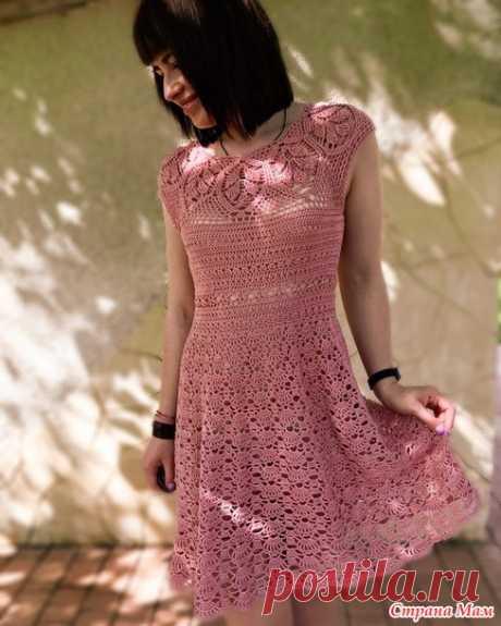 Платье крючком на круглой кокетке «Листьями» - Вязание - Страна Мам
