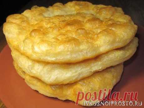 This the airy, crackling and incredibly tasty flat cakes which we bake on a frying pan can be prepared very simply and quickly from usual yeast dough on water — In RITM_ ZHITTYA