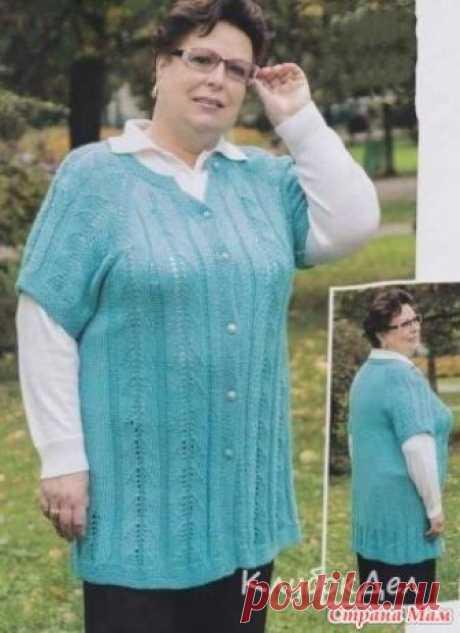 . Голубой жилет спицами для полных женщин Голубой жилет спицами красивая модель для полных женщин. Вязаный жилет с описанием и схемами.  Размер: 60