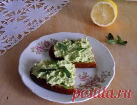 Бутерброды с кремом из авокадо — Sloosh – кулинарные рецепты