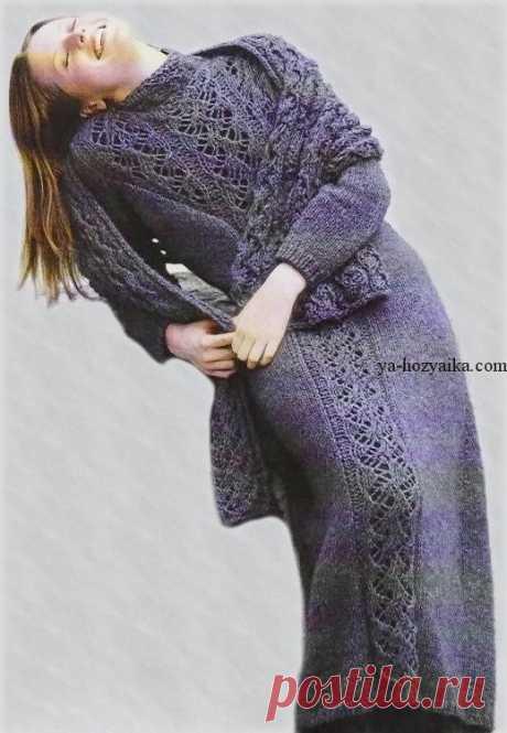 Длинное платье спицами с ажурной вставкой. Зимне платье спицами с описанием