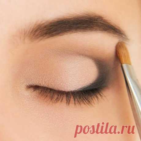 Как сделать макияж глаз в технике «петля»