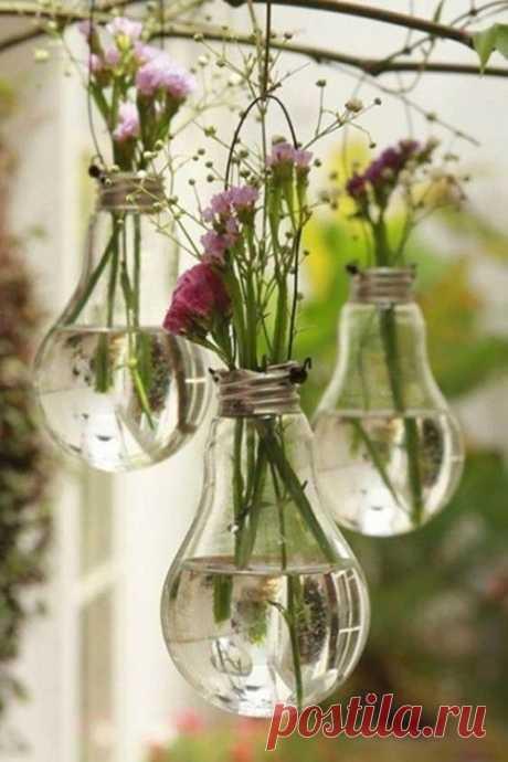 Из старых лампочек.