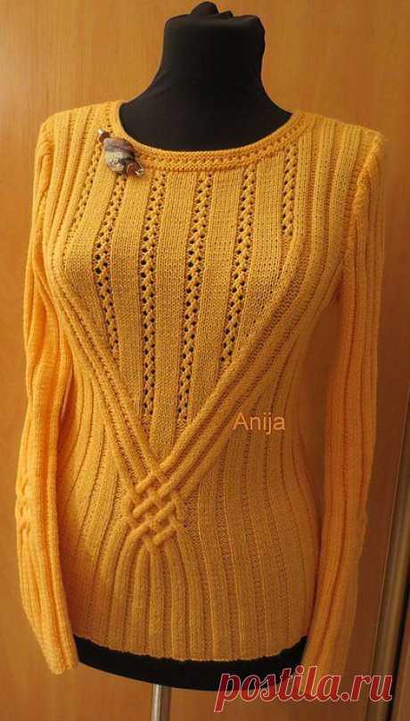Пуловер с центральным узором..