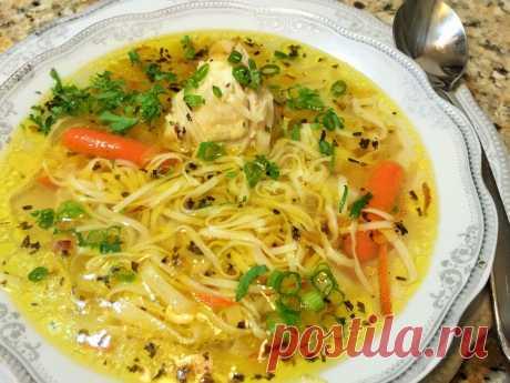 Куриный суп с яичной лапшой / Простые рецепты
