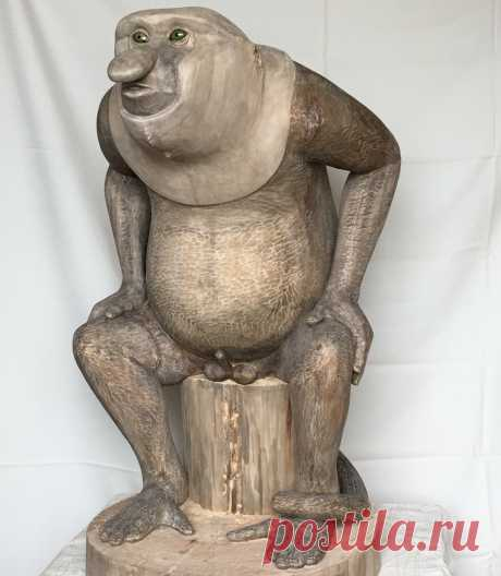Скульптура Удивлённый Носач выполнена полой для облегчения веса и предохранения массива от растрескивания. Высота скульптуры 96 см. Находится в коллекции автора. Выставлена на продажу. Цена 1100000 руб.