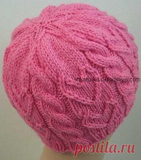 Розовая шапочка Розовая шапочка рельефным узором. Шапочка женская с подробным описанием спицами