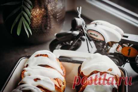 Домашние ватрушки с изюмом - Mint & Rosemary Пошаговый рецепт про то, как приготовить домашние ватрушки с изюмом или цукатами. Нежные, сливочные, с приятным ароматом апельсина.