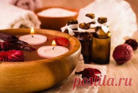 Путь к здоровью: ПСИХОТЕРАПЕВТИЧЕСКИЕ СВОЙСТВА ЭФИРНЫХ МАСЕЛ.  Воздействие запаха, ароматов на лимбическую систему мозга тесно связано с эмоциями, что эффективно используется в психотерапии. Эфирные масла  являются наиболее распространённым ароматерапевтическим средством.