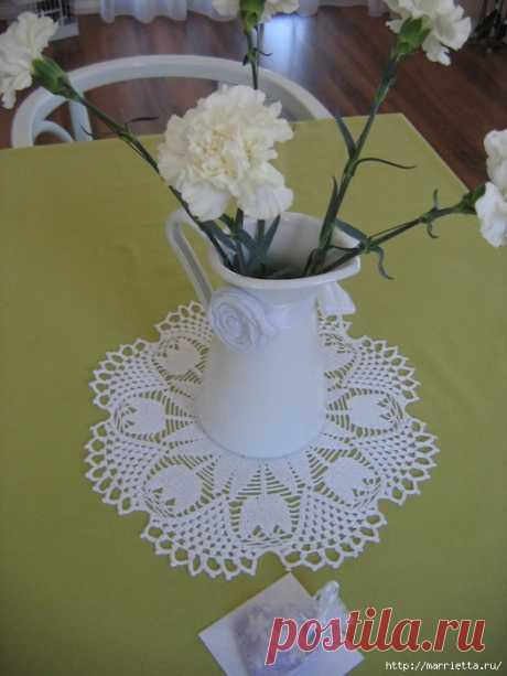 Нежная салфетка с тюльпанами. Вязание крючком