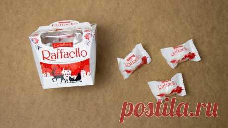 """Что можно сделать из конфет """"раффаелло""""  на Новый год: красивая идея"""