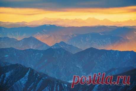 Рассвет над горами Алтая. Фотограф – Светлана Казина: Хорошего дня!