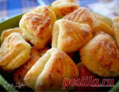 Творожное печенье «Гусиные лапки». Ингредиенты: творог 9%, мука 1 сорт, разрыхлитель