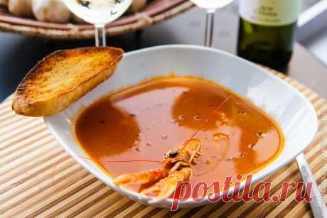 Томатный суп из креветок или лангустинов