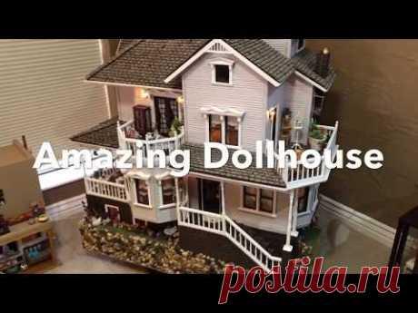 Amazing Huge 4 Story Dollhouse