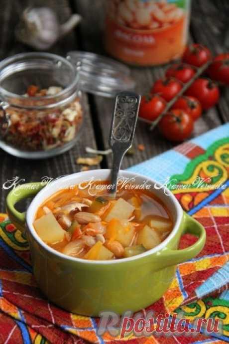 Рассольник с фасолью и солёными огурцами - 10 пошаговых фото в рецепте Рассольник - один из любимых супов в нашей семье. Недавно приготовила рассольник с фасолью и солёными огурцами. Блюдо получилось очень аппетитным, вкусным и сытным. Этот рассольник можно подать со сметаной и зеленью. Приготовьте блюдо по этому рецепту и я, уверена, вам понравится его вкус! ...