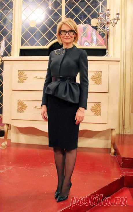 Женщинам после 50 лет лучше выбирать эти платья | Все о моде и стиле | Яндекс Дзен