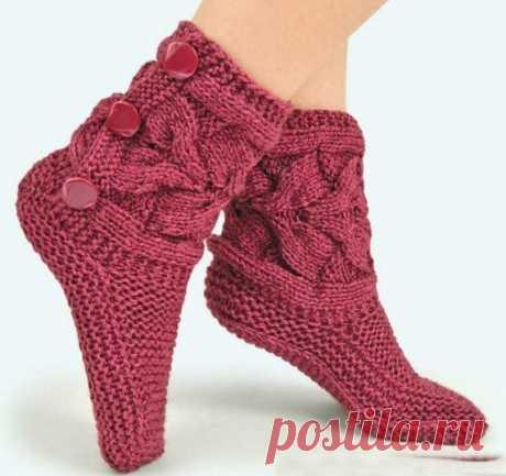 Домашние сапожки-носочки спицами: описание и схемы... Теплые и уютные!