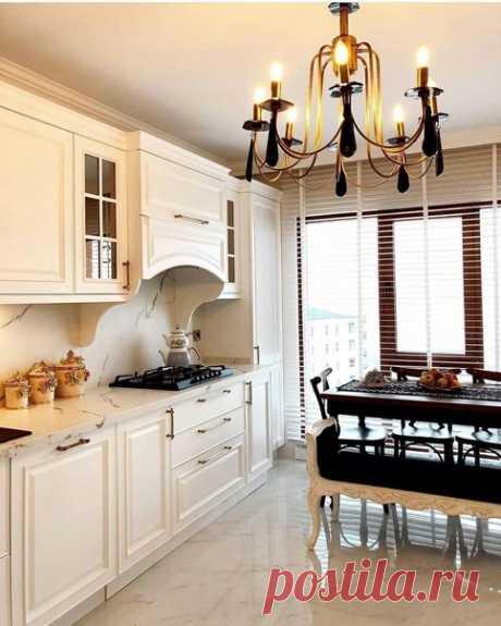 Отличный вариант современной квартиры в классическом стиле.