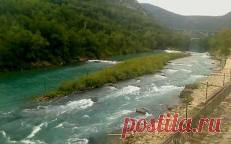 La cámara Veb - los umbrales. El río Socha (Eslovenia)