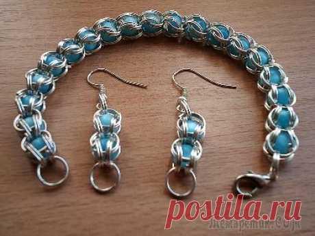 Jewelry in technology of kolchuzhny weaving