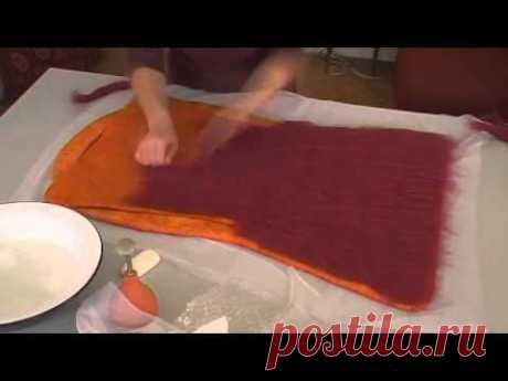 ▶ Как свалять шерстяную сумку - YouTube