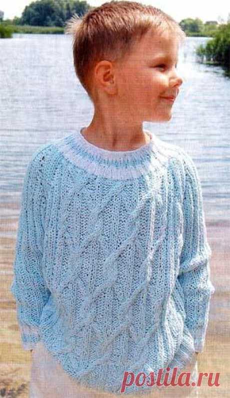 Вязаный свитер с аранами на мальчика. Модель 43