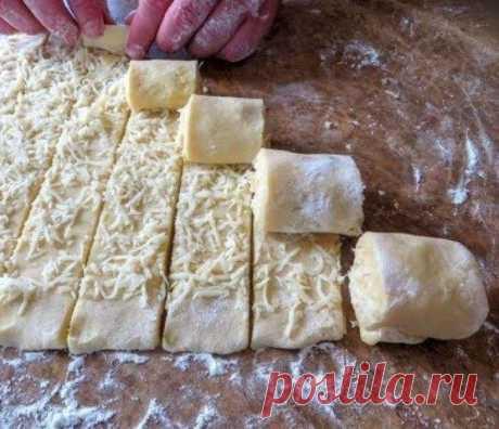 Картофельные завитушки в облаках. Так вы еще не готовили Интересный рецепт! Красивый и вкусный! Так картошку я еще не готовил, попробовал и доволен Нежные рулетики и облачная заливка, повторяйте на здоровье!