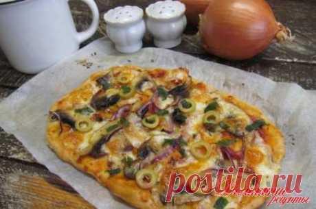 Пицца с грибами и брынзой. Тесто готовлю на...