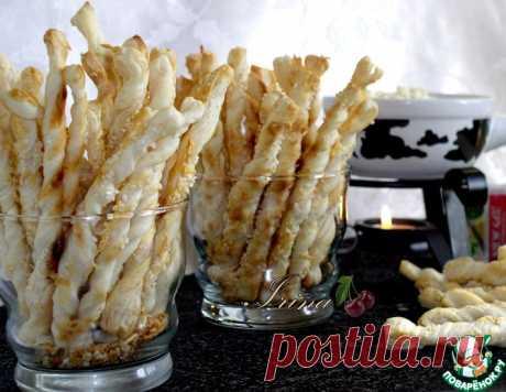 Сырные палочки из слоеного теста – кулинарный рецепт