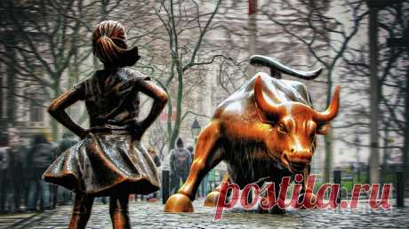 Fearless Girl And Wall Street Bull Statues Photograph by Nishanth Gopinathan