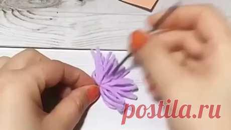 Цветочки из остатков пряжи