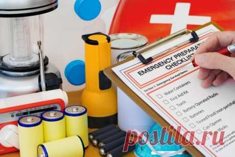 Тревожный чемоданчик: список вещей, которые должны быть у вас на случай войны - Лайфхакер
