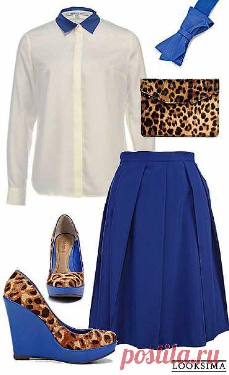 Яркое сочетание глубокого синего цвета и дерзкого анималистичного принта. Попробуете?