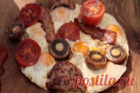 Большой завтрак  Большой завтрак в полночь от Джейми - это рецепт, который появился в результате жизненного опыта!  Полуночный завтрак: поджаренный бекон, яйца и хрустящий хлеб
