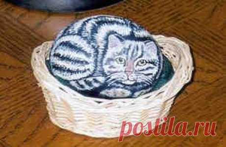 rockpaintingii: View Photo:Grey cat