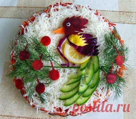 👌 Праздничное оформление салатов, увлечения и хобби Вот и Новый год уже практически на пороге. Осталась буквально пара дней и мы начнем с душой и вдохновением накрывать праздничный стол. По традиции на нем будут присутствовать салат...