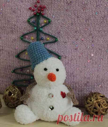 Снеговик спицами и крючком: мастер-класс