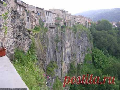 Castellfollit de la Roca – Кастельфульит-де-ла-Рока | Города и страны