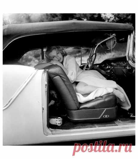 Anita Ekberg  Vogue, August 1956   Photo Peter Basch